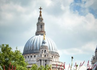 New Ludgate planting with St Paul's