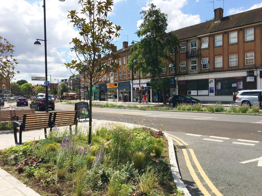 liawards2020-winner06-eastcote-town-centre-rain-gardens-project-centre
