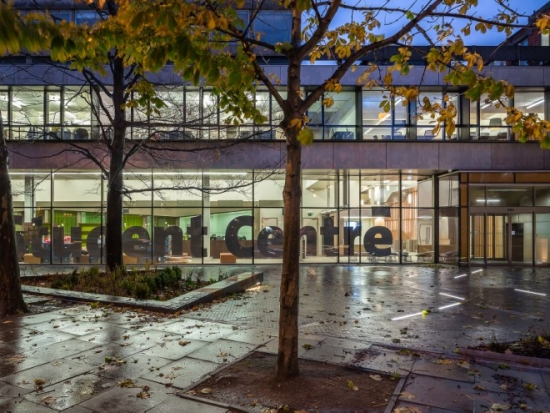 he new public realm at South Bank University complements the student centre