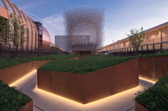 UK pavilion addresses declining honeybee population